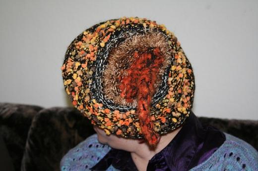 Witzig ist diese Mütze, gestrickt von Janine